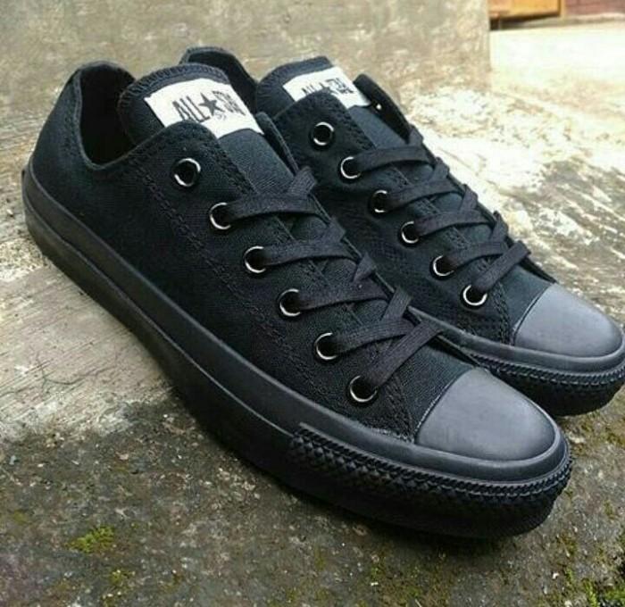 8effde8d016ab5 harga Sepatu kets sekolah converse all star chuck taylor ct full black cowo  Tokopedia.