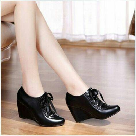 harga Wedges boot barbie hitam Tokopedia.com