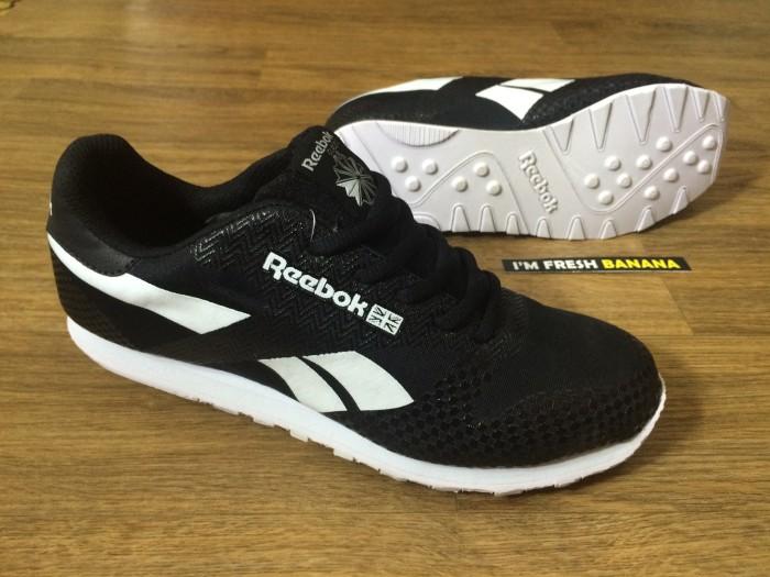 Jual Sepatu Running Reebok Rebook Reebook Classic Black White Hitam ... 03bcd1d410