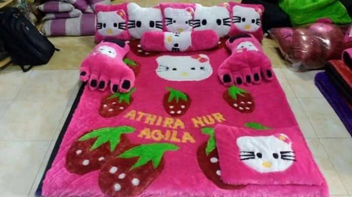 harga Kasur lantai / karpet karakter strobey pink fanta Tokopedia.com