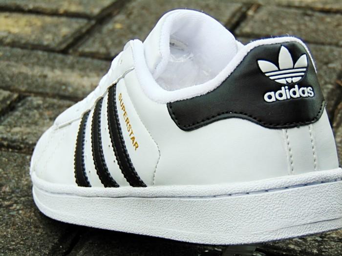 Jual Sepatu Adidas SUPERSTAR SUPERCOLOR Putih List Hitam Kets Cowok ... 55d01ad5d1