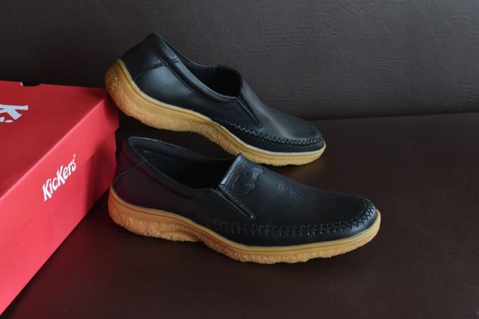 harga Sepatu kickers slop kulit asli   hitam   slip on kerja formal . a023e604dd
