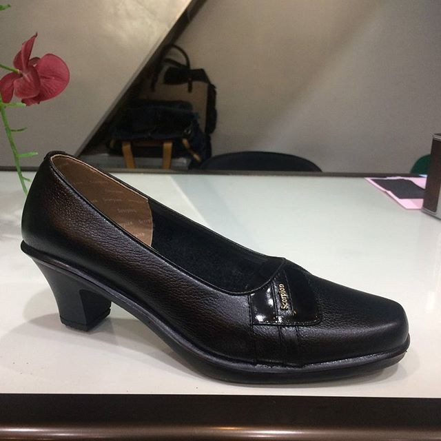 harga Sepatu kulit wanita kerja pantofel fashion scorpion Tokopedia.com