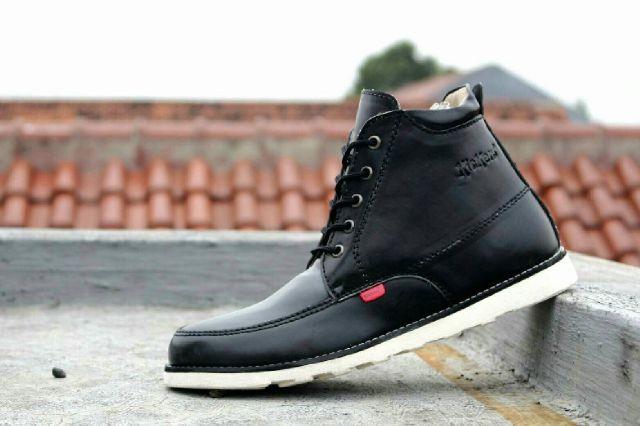 Jual sepatu kickers semi boots pria 2 warna fashion gaya - Rajja ... d3cdb567e0