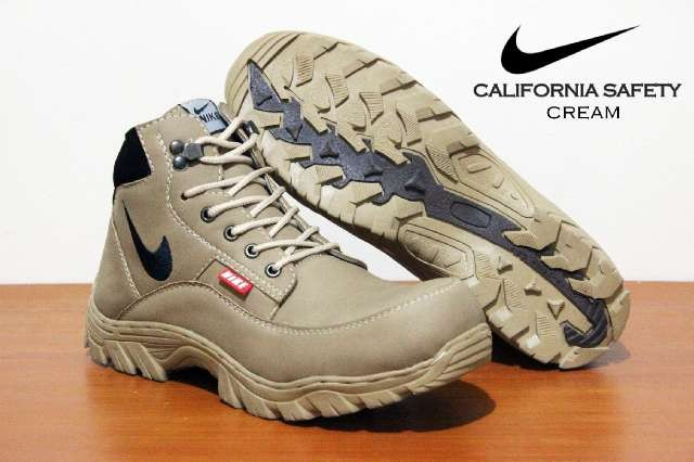 harga Sepatu boot tactical gagah tracking outdoor nike safety ujung besi  Tokopedia.com af68663381