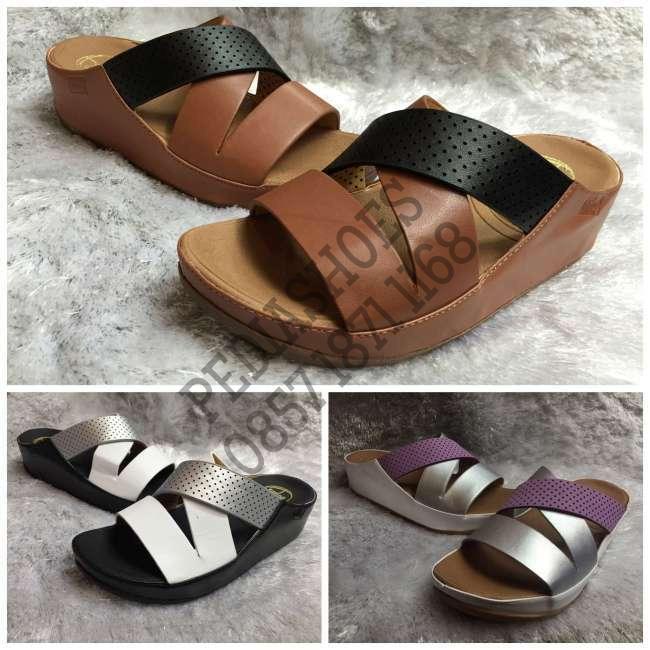harga (garansi termurah) sandal selop wanita fitflop hola leather original Tokopedia.com
