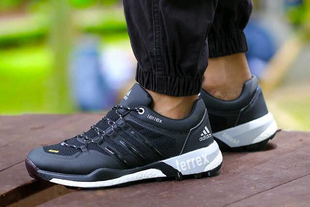 harga Sepatu adidas terrex boost grade original 03 Tokopedia.com