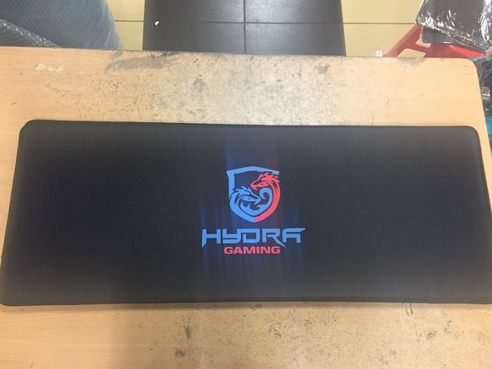 Extended gaming mousepad hydra