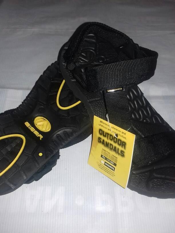 ... harga Sandal gunung eiger selop hitam polos / sandal pria dan wanita Tokopedia.com