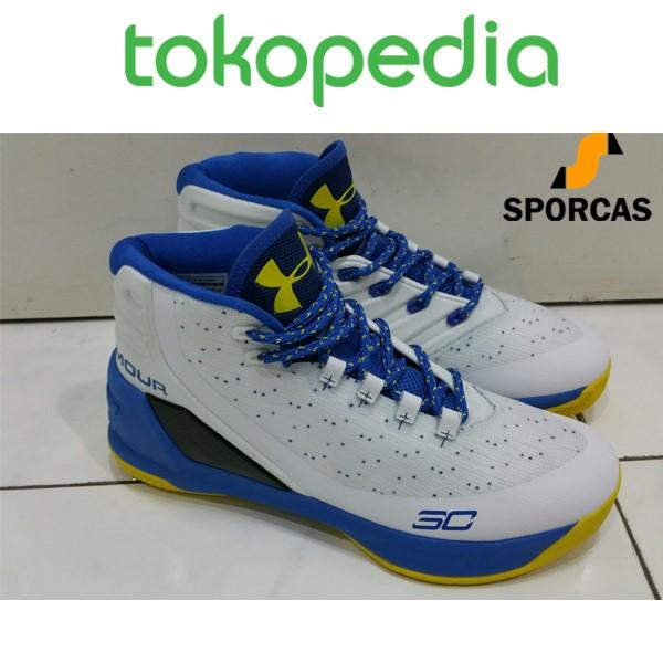 Jual Sepatu Basket Under Armour Stephen Curry 3 High White Blue ... aa6032e290