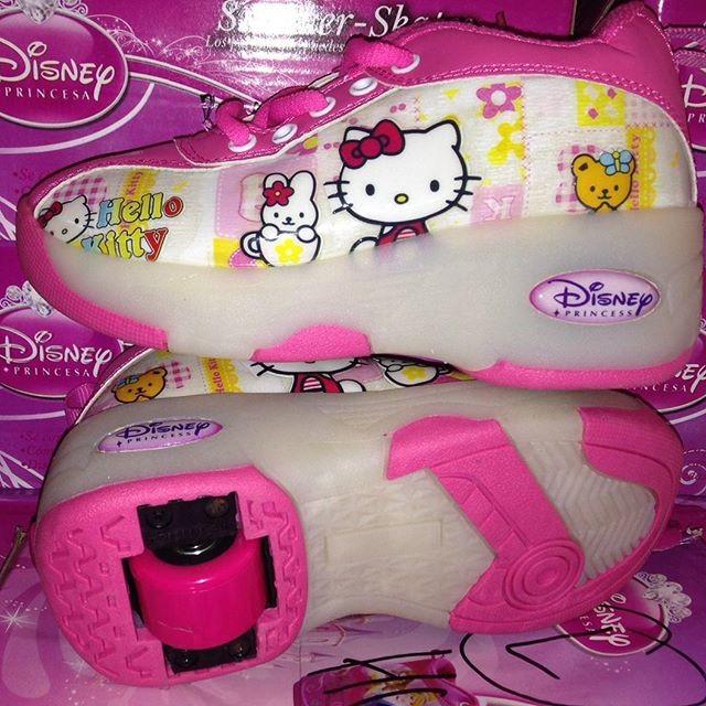 harga Sepatu roda hello kitty lampu Tokopedia.com