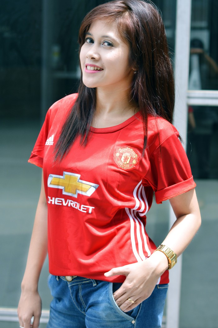 get cheap 3aed0 f8b3f Jual JERSEY MANCHESTER UNITED HOME (LADIES) 2016-2017 - Kab. Bogor -  LEONORA | Tokopedia