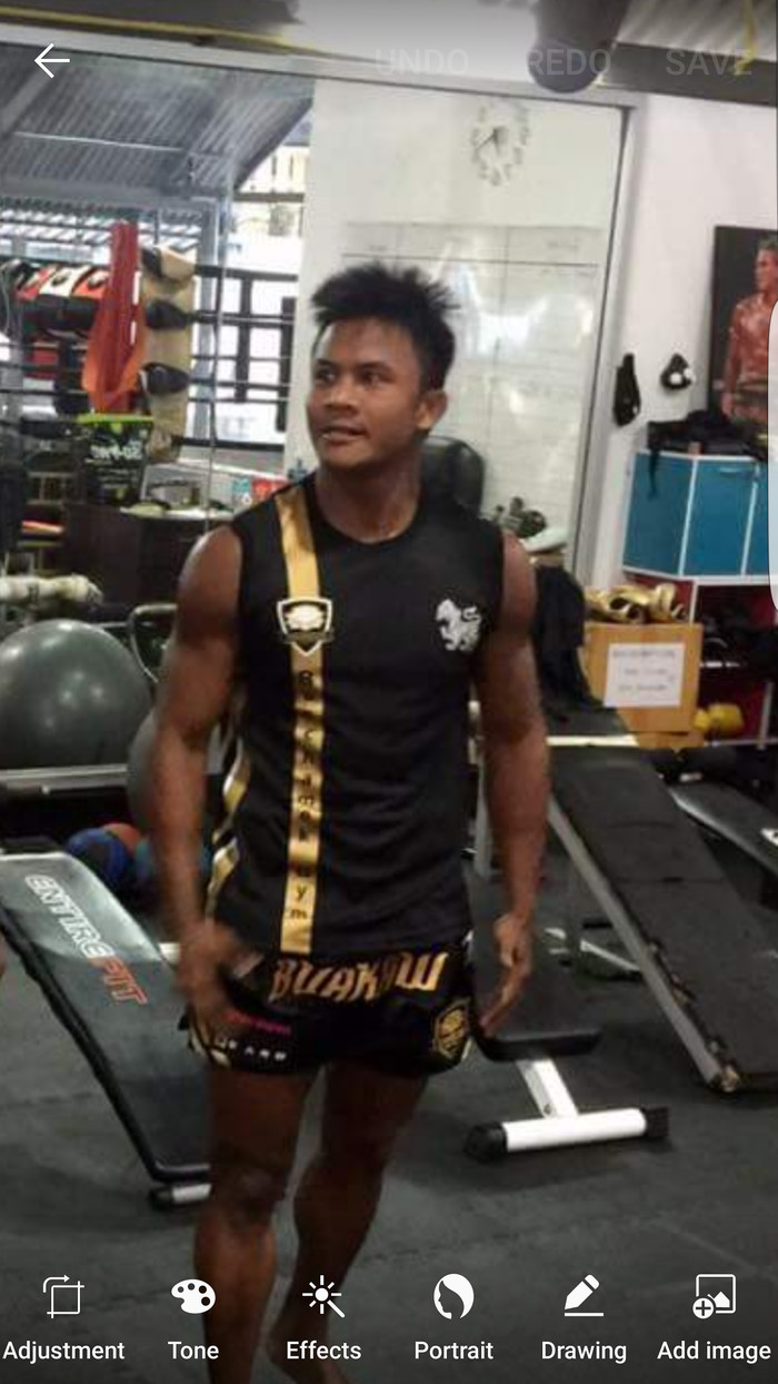 Foto Produk Tshirt buakaw banchamek gym black/gold dari Zeus MMA