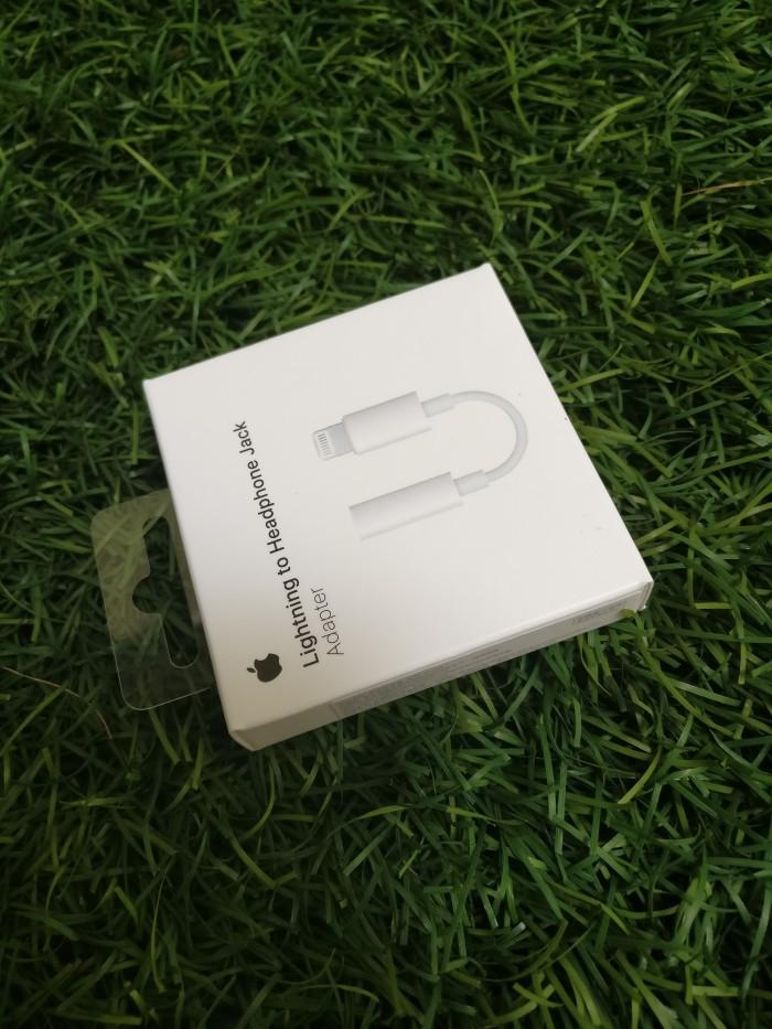harga Lightning to headphone jack adapter original apple Tokopedia.com