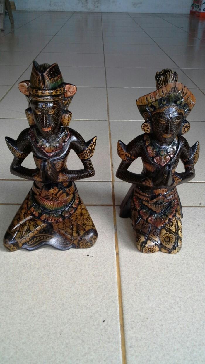 Jual Patung Pasangan Pengantin Dari Sengon Cocok Untuk Hiasan Kota Denpasar Mukena Bali Factory