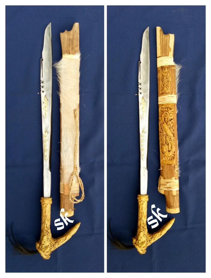 harga Mandau tangkai motif tanduk sarung ukir balut kulit asli Tokopedia.com