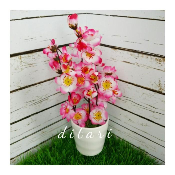 harga Bunga plastik sakura dan pot/imlek/artificial/pajangan rumah Tokopedia.com