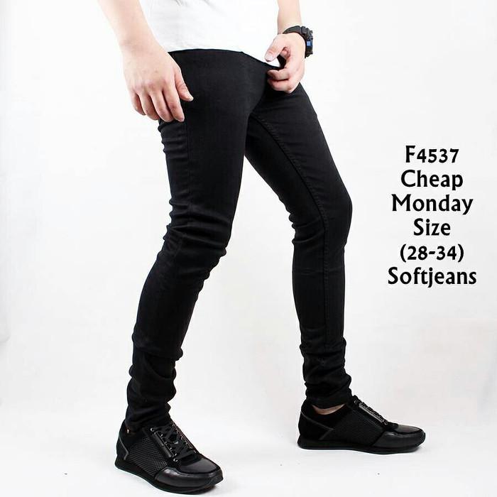 harga F4537 celana jeans panjang pria cheap monday softjeans hitam polos Tokopedia.com