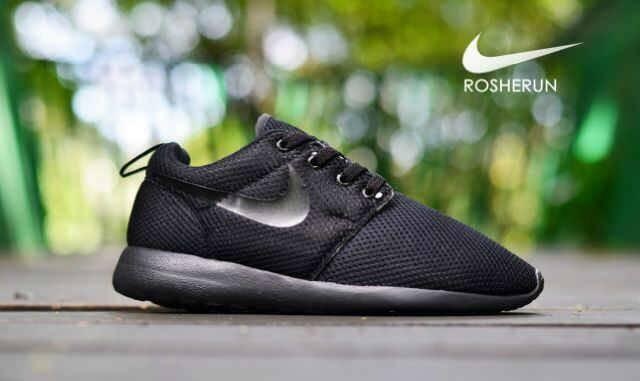 harga Sepatu casual running sneaker nike rosherun full hitam made in vietnam Tokopedia.com
