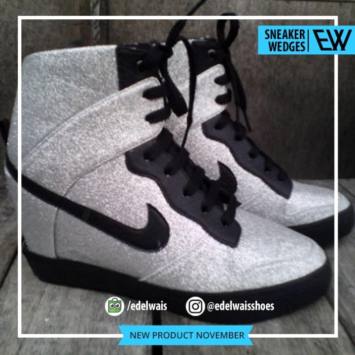 harga Sepatu sneaker wedges heels wanita nike silver boots shoes Tokopedia.com