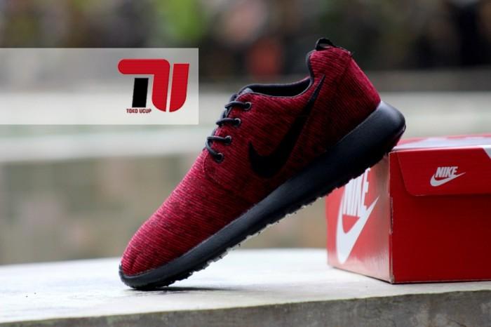 photos officielles 9dc4e 4ba50 Jual Sepatu Nike Roshe Run Rajut maroon - Kota Bekasi - TOKO UCUP |  Tokopedia