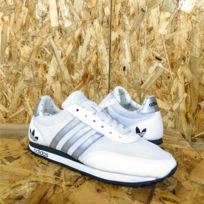 49ad6887d4902 ... harga Sepatu sport adidas neo v racer putih silver  sepatu sandal pria  cewek Tokopedia.