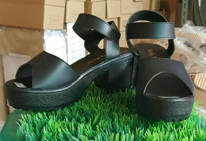 ... harga Sepatu sandal chunky wedges platform heels morymony docmart hitam  Tokopedia.com b5b77ea9d6