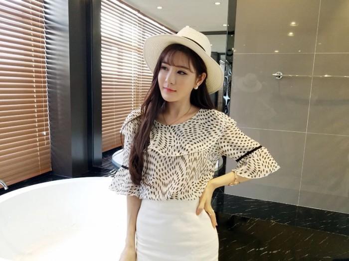 harga Cute blouse blus atasan motif diamond putih hitam merah hati import Tokopedia.com
