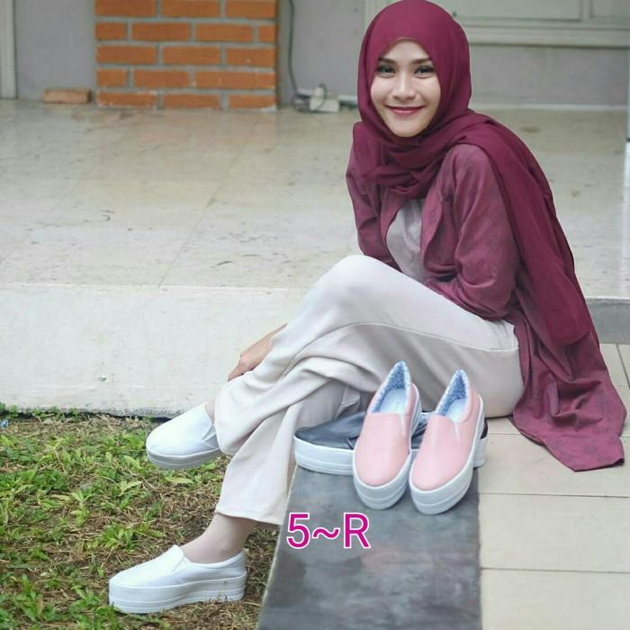 Jual Sepatu Murah Slip On Wedges Zaskia Adya Mecca Kota Bandung B Hest Collection Tokopedia