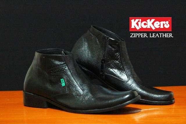 Sepatu Zipper Kulit Pria Black - Daftar Harga Terkini dan Terlengkap ... dc388d8f05