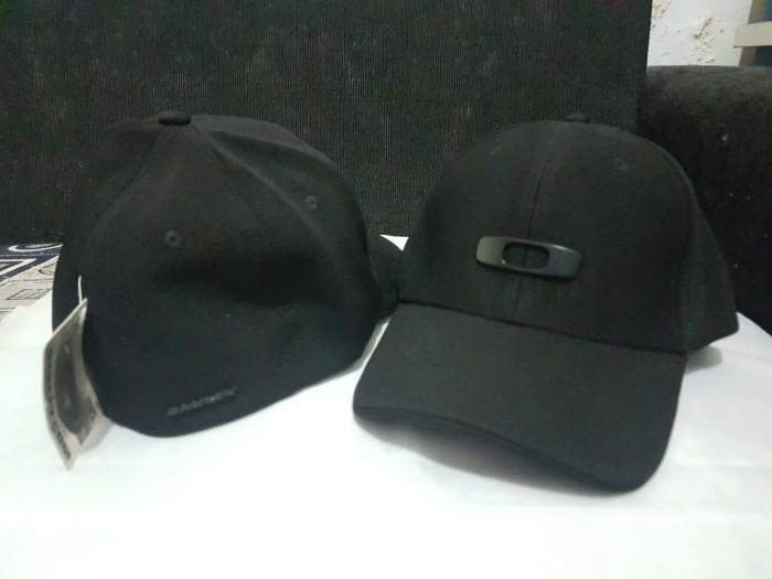 the best attitude e1dc8 aee0a Topi Oakley Metal Gas Can Full Black A-Flex Original - Hitam