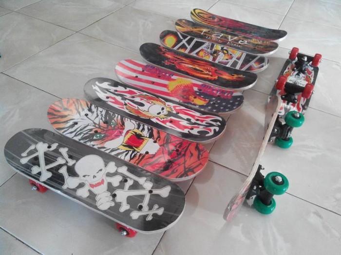 harga Papan Seluncur Skateboard Anak ( Mini Skate Board, Sepatu Roda ) Tokopedia.com