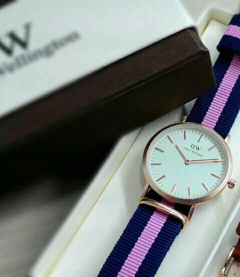 jam tangan DW jtr 052 purple