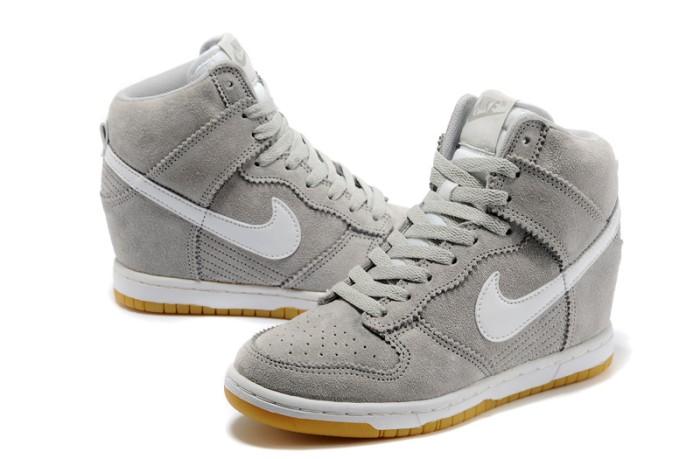 Jual Sneakers Wedges Nike Sky High Dunk Suede Grey White - Gazellea ... fe858f99c15b