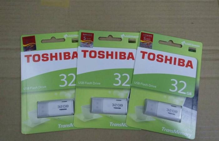 Foto Produk USB Toshiba 32GB Hayabusa White Original Flash Disk dari Agen Komputer Resmi Indo