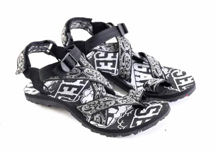 harga Sandal gunung pria sandal casual pria sandal gunung murahnl 184 Tokopedia.com