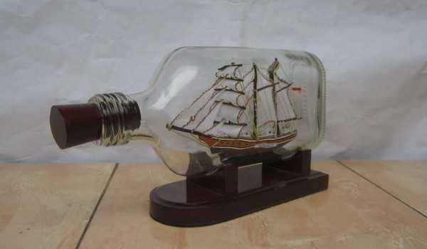 harga Miniatur kapal kri dewaruci dalam botol mansion | kado souvenir ultah Tokopedia.com