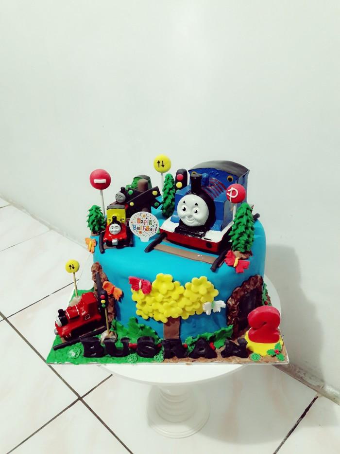 Jual Kue Ulang Tahun Thomas Fondant Cake Jakarta Timur Novlauwcake Tokopedia