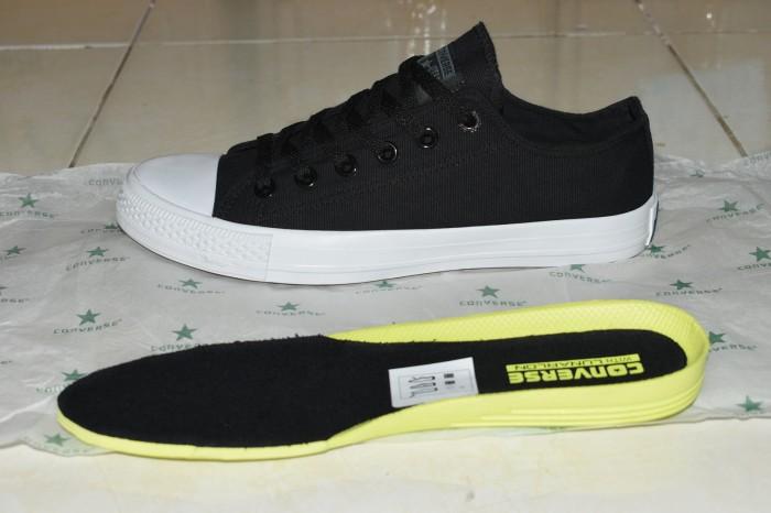 Jual Sepatu Converse Chuck Taylor II Premium Import   Hitam - 123ABC ... ace2f1d929