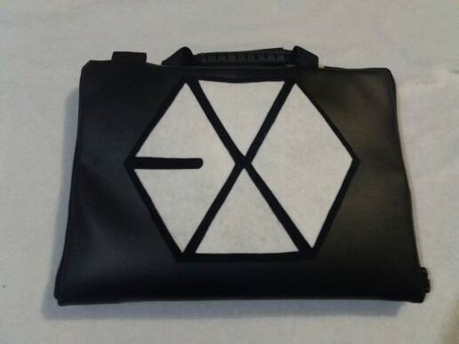 harga Exo hitam kulit/leather 13 -14inchi softcase tas laptop notebook kpop Tokopedia.com