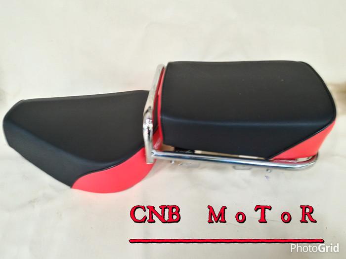 harga Jok honda pispot c70 c50 model pisah set dudukan ( hitam - merah ) Tokopedia.com