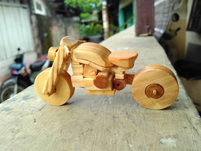 hiasan pajangan miniatur motor kayu