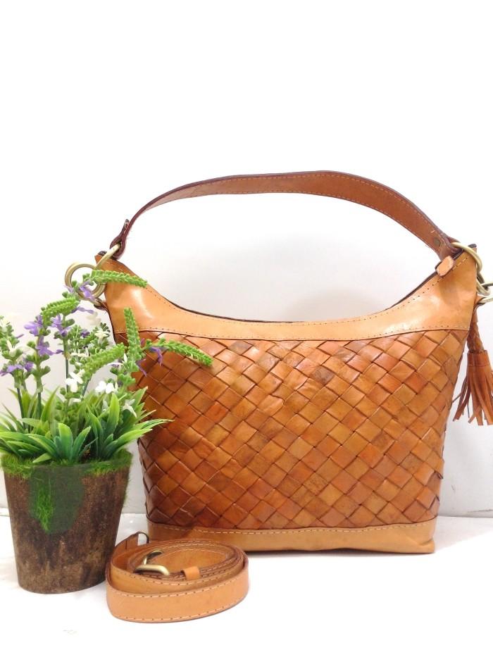 Lins craft - tas kulit hobo anyam miring warna coklat tua