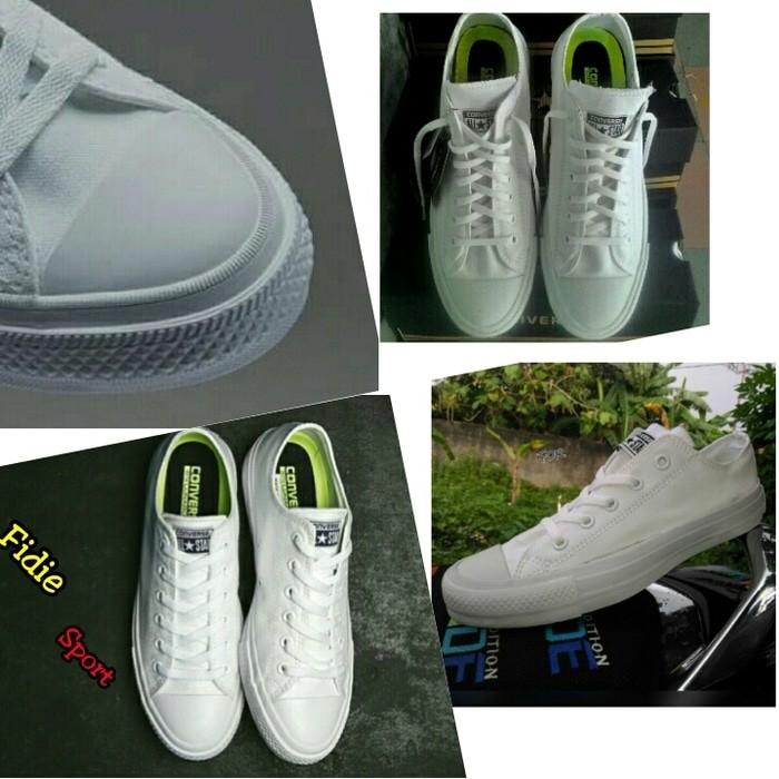 Jual Sepatu   Converse All star   Chuck taylor II  white   made in ... aa766f29ed