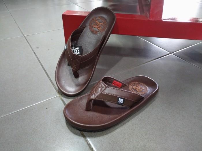Jual sandal DC sandal surfing sandal distro sandal gaul sandal pria ... b8fa63bcfb