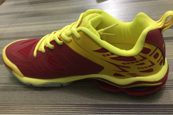 Jual sepatu voli mitzuda light star I merah lemon + kaos kaki ... bd376f58c4