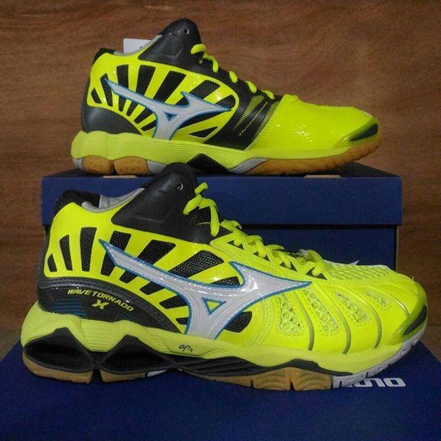 Jual Sepatu Voli Mizuno Wave Tornado X Mid - orgin sport  812387b351