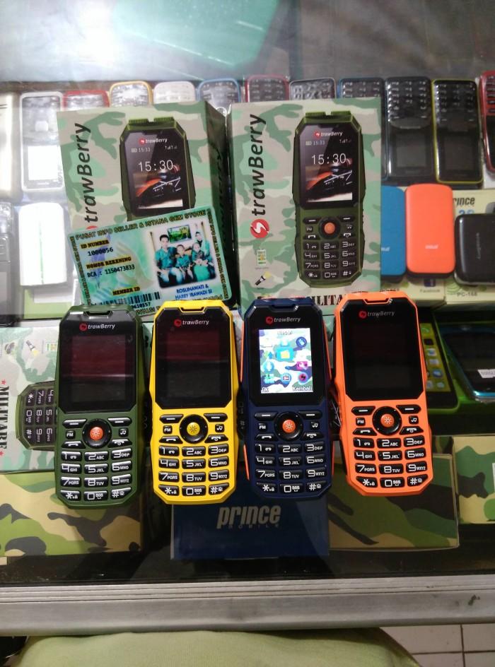 harga Strawberry st 11 militare ( 3 sim card gsm batre 1500 mah kamera ) Tokopedia.com