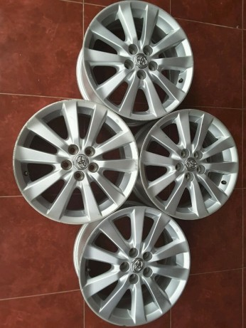 Jual Velg Oem Toyota Altis Pcd 5 X 100 16 X 65 Et 39 Kab Gianyar Dewa Velg Tokopedia
