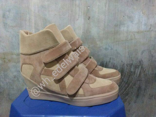 harga Sepatu wanita sneaker wedges kets hak heels boots nike Tokopedia.com